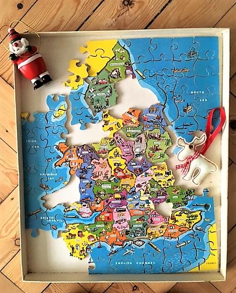 santa-puzzles-it-out-2