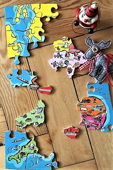 santa-puzzles-it-out-3